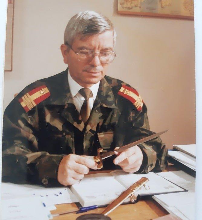 """Colonel (r.) Nicolae Boghian semneaza rubrica """"poezie"""" din revista """"Ambasador pentru Romania"""""""