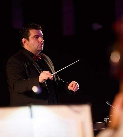 """Vlad Mateescu, directorul Filarmonicii """"Paul Constantinescu"""" din Ploiești, o revelaţie managerială în peisajul cultural românesc"""